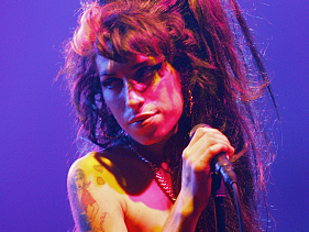 Amy Winehouse&#8217;s Death: One Year Later, Her Father Remembers His &#8216;Lovely Girl&#8217;