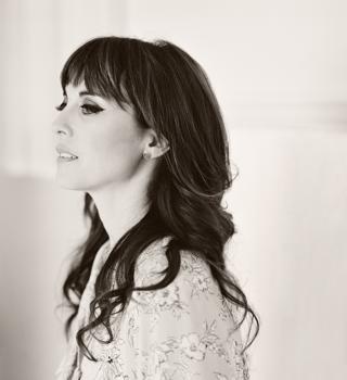 Rebecca Pidgeon B&W shot by Elizabeth Messina 2013_SML
