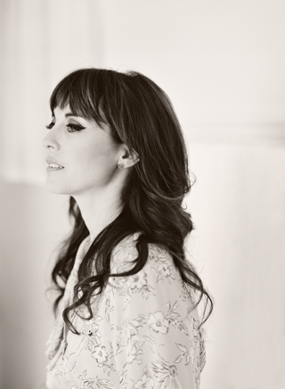 Rebecca-Pidgeon-BW-shot-by-Elizabeth-Messina-2013_SML